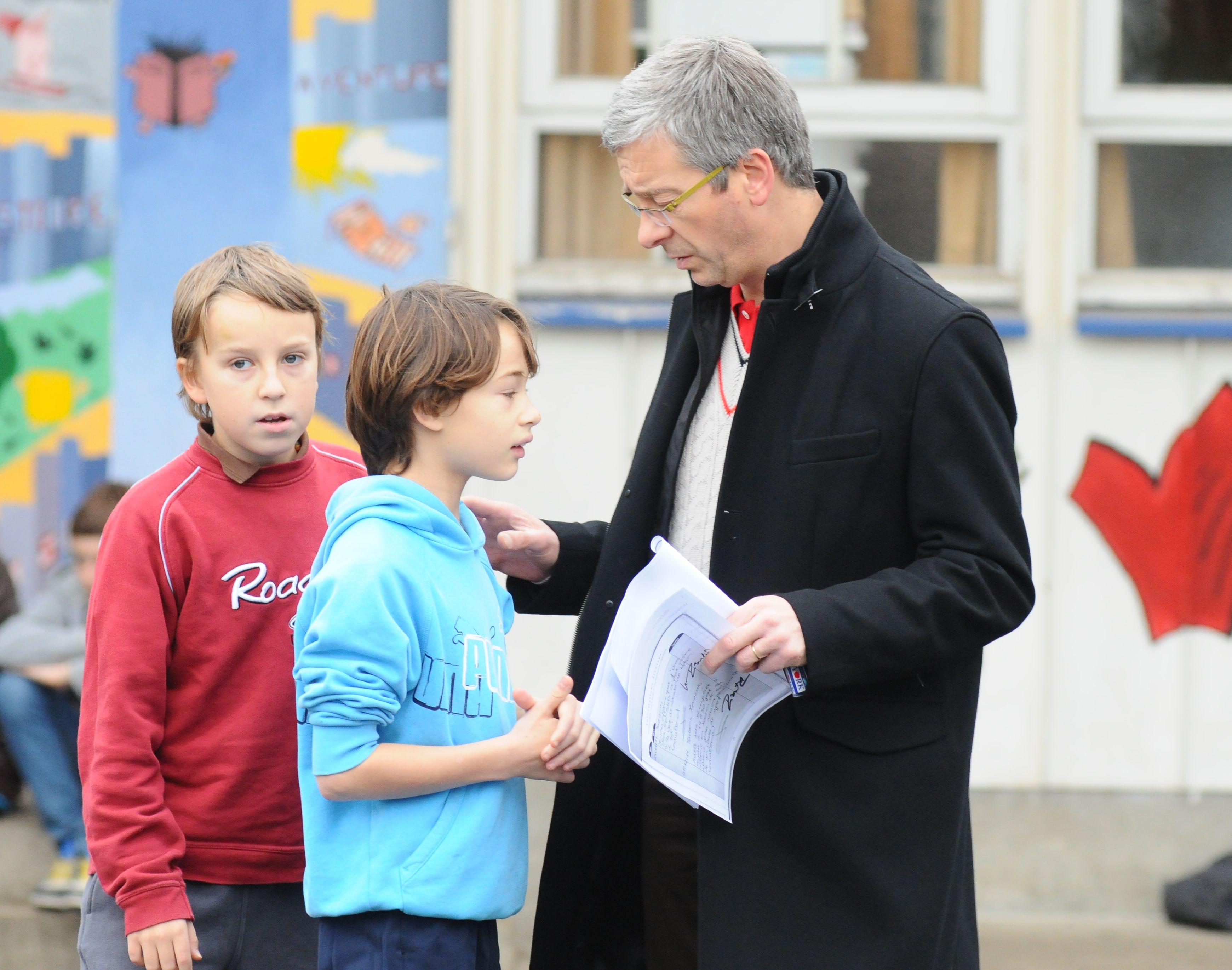 Des personnels éducatifs à l'écoute des jeunes qui, en partenariat avec les familles, les aideront à se trouver et à grandir.